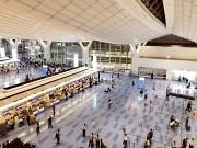 羽田空港で世界中の人と触れ合えます!