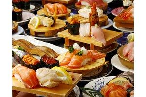 ワンランク上の回転寿司。全国から旬の素材が集まります。