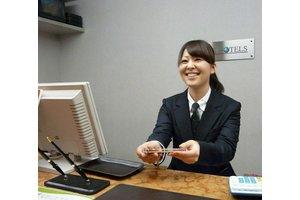 近鉄「四日市」駅南口東階段より徒歩1分で通勤便利!!