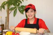 《ストアスタッフ》楽しいピザ作りのお仕事です♪