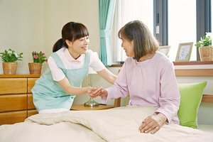 【未経験大歓迎】グループホームで介護のお仕事始めませんか?