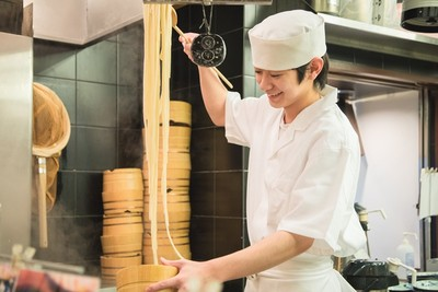 丸亀製麺 武蔵村山店(ディナー歓迎)[110660]のアルバイト情報