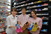 東京靴流通センタ− ラパーク岸和田店 [34355]のアルバイト情報