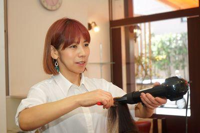 HAIR SALON IWASAKI 諏訪野店(パート)スタイリスト(株式会社ハクブン)の求人画像