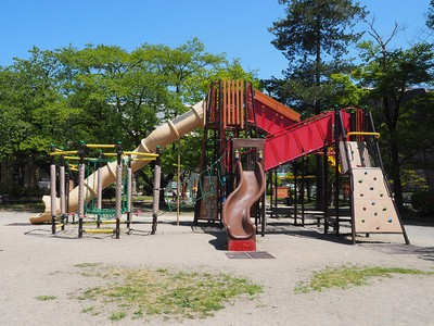 株式会社太陽美建 【公園の遊具の設置】(4)の求人画像