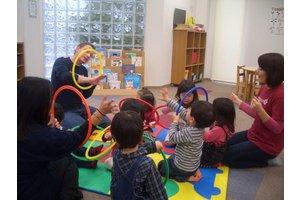 英語は話せて、子供好き。 そんな方、是非ここでご活躍ください!