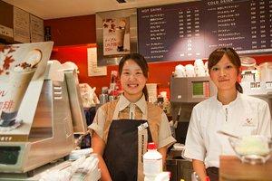 スタートはみんな一緒だから、安心!東京駅エキナカ人気のカフェバイト☆