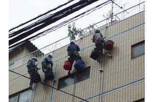将来の事、本気で考えるなら、足場を架けない外壁工事を極める!