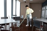 ダスキン清田支店(カフェレストラン内オープン前清掃)のアルバイト