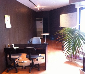 JR三鷹駅から徒歩5分の木造一戸建てのオフィス