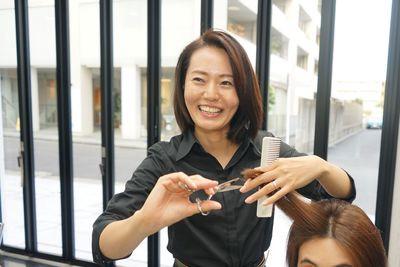 HAIR STUDIO IWASAKI 渋沢S店(パート)スタイリスト(株式会社ハクブン)のアルバイト情報