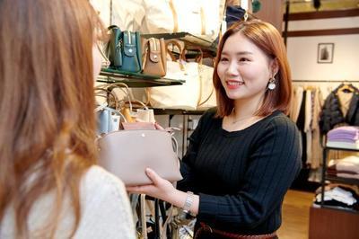 ikka イオンモール日の出店のアルバイト情報