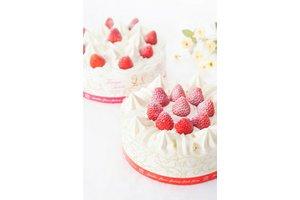 おなじみのケーキやお菓子を販売、製造にもチャレンジできます!