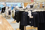 洋服の青山 福島西道路店のアルバイト情報