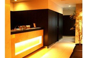 目黒駅から徒歩約3分のホテル!【夜勤】フロントスタッフ募集