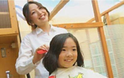 カットコムズ 万葉店(正社員)/◆正社員◆ブランクOK♪カット専門店『カットコムズ』で美容師&理容師募集