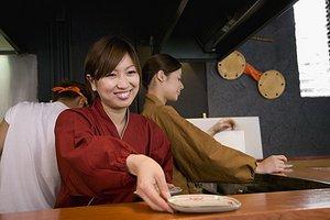 【学生さん歓迎◎】接客や料理のスキルを身につけませんか?