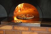 薪窯ならではの薪の香り豊かなピッツァ!!