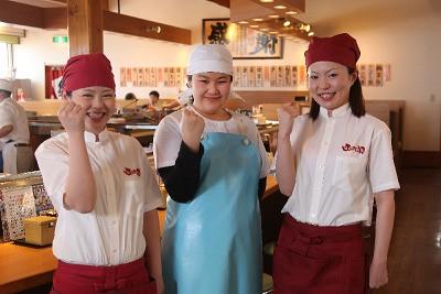 笑顔で働く従業員さんも函太郎のウリです!