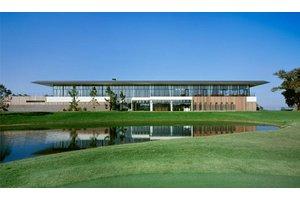 《長期歓迎》未経験から社員を目指せるゴルフ場でのお仕事です!