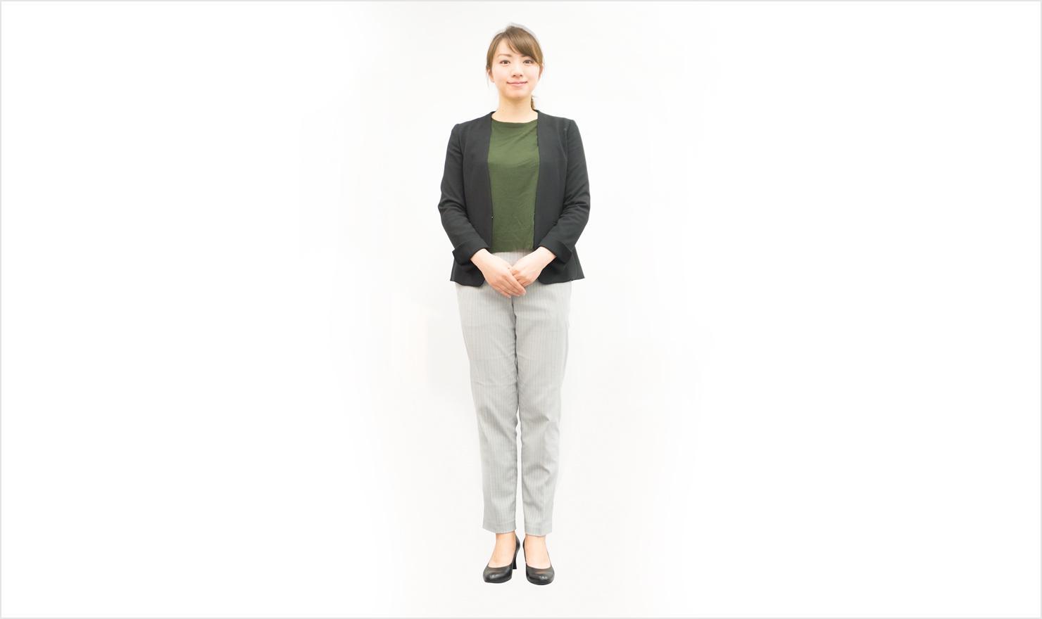 女性の長袖ビジネスカジュアル