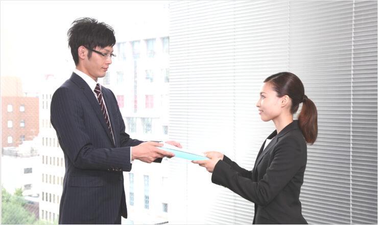 送付状や封筒は必要?履歴書を持参する時の渡し方マナー | JOBSHIL